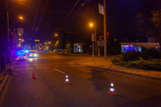 ДТП в Днепре: девушку сбили прямо на пешеходном переходе