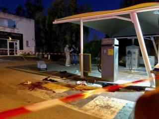 Во Франции трех человек застрелили на заправке