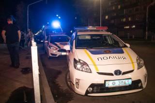 На окраине Киева подстрелили девушку