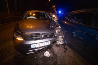 Масштабное ДТП на выезде из Киева: среди пострадавших – дети