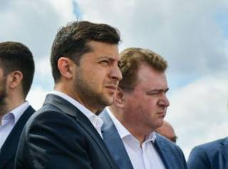 Суровый Зеленский поговорил «по душам» с депутатом в Черкассах