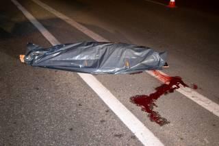 ДТП в Киеве: под колесами микроавтобуса погиб молодой мужчина (18+)