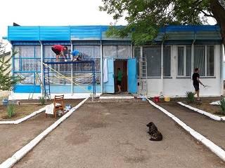 В Товтрах на Буковине верующие УПЦ переделали под храм старый магазин
