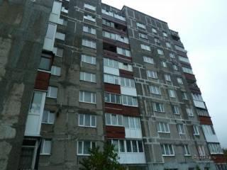 В Киеве мужчина выпрыгнул с 10 этажа после того как у него нашли наркотики