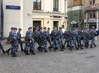 В Москве силовики пресекли несанкционированный митинг оппозиции ‒ задержаны сотни протестующих