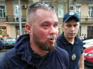 В Одессе патрульные копы с огромным трудом «повязали» неадекватного коллегу из Киева