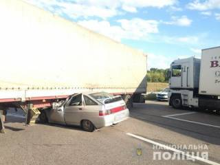 В сокрушительном ДТП под Харьковом погибла молодая супружеская пара