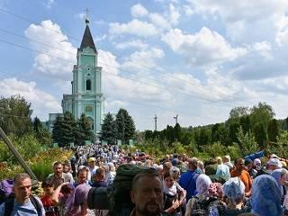 Верующие УПЦ пройдут крестным ходом из Браиловского монастыря в Почаевскую лавру