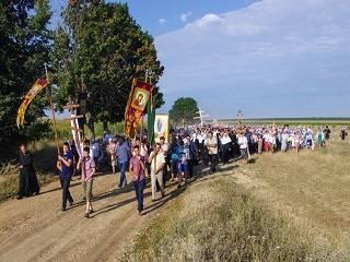 На Винничине верующие пройдут 5 километров в долину тысячи крестов