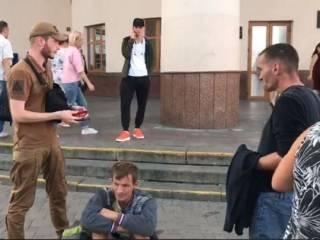 На ж/д вокзале в Киеве задержали членов шайки карманников