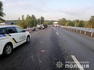 На Полтавщине микроавтобус попал в сокрушительное ДТП ‒ есть погибшие
