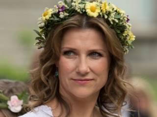 Норвежская принцесса «отреклась» от титула из-за романа с чернокожим проходимцем