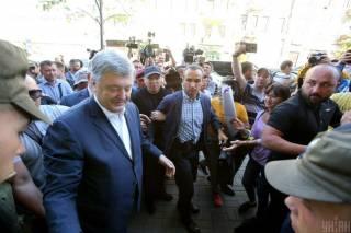 Стали известны подробности очередного допроса Порошенко в ГБР