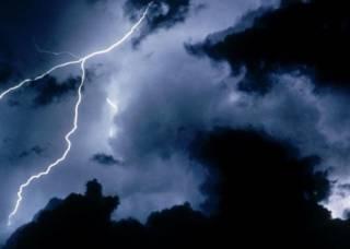 В Украину возвращается непогода. Уже предупреждают о шторме