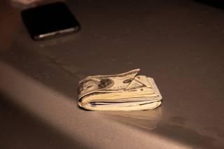 В центре Киева неадекватный водитель предлагал полицейским $3000 и угрожал Зеленским