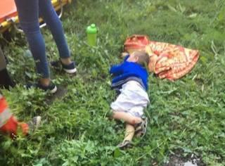 Под Киевом мальчик выпал из окна 4 этажа, пока его мама спала пьяным сном