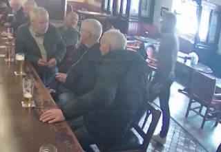Появилось видео, как Конор Макгрегор ударил старика в ирландском пабе