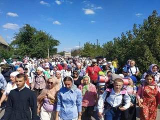Тысячи верующих УПЦ пройдут пешком 260 км для участия в торжествах в Почаеве