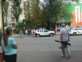 По улицам Днепра бегал абсолютно голый мужчина и бросался на правоохранителей