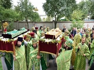 В Чернигове сотни верующих УПЦ отметили 10 лет прославления святителя Филарета