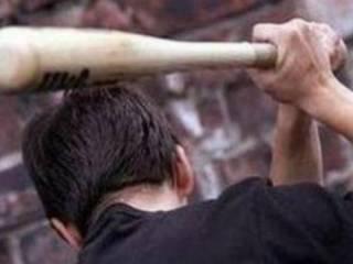 Под Одессой неизвестные битами избили депутата и ограбили его