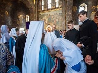 В День Независимости Митрополит Онуфрий наградит 28 сестер милосердия орденами и медалями