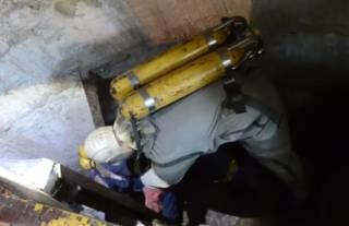 В Днепропетровской области коммунальщик утонул в нечистотах – его коллег удалось спасти