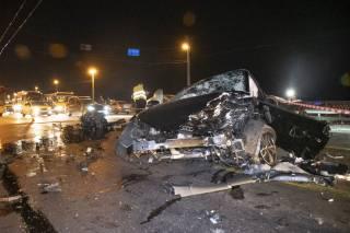 ДТП на мосту Патона в Киеве: машины буквально разорвало на куски