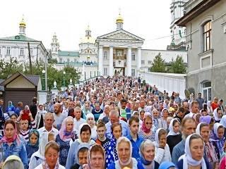 В Почаеве начались торжества в честь обретения мощей преподобного Иова