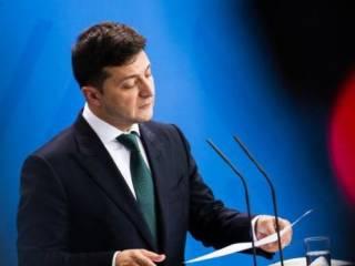 Зеленский решил избавиться от всех, кто утвердил его победу на выборах
