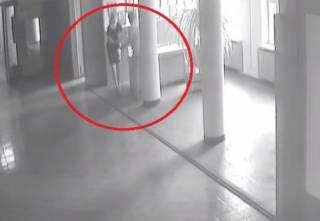 «Начала ее душить за дверью»: На Черниговщине две чиновницы устроили потасовку на рабочем месте