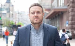 В Киеве жестоко избили замглавы КГГА