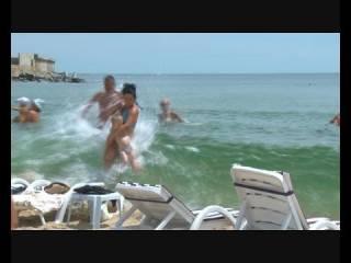 На пляже под Одессой пополз грунт. Люди чудом остались живы