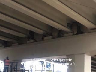 В Киеве внезапно «устал» недавно отремонтированный мост