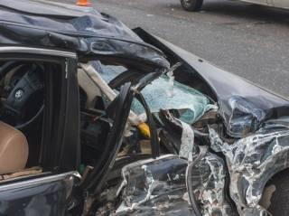 В Киеве BMW влетел в маршрутку с пассажирами