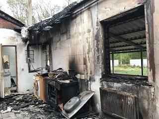 На Харьковщине семью священника УПЦ пытались сжечь заживо в собственном доме