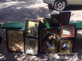 На Донбассе храму УПЦ вернули украденные иконы