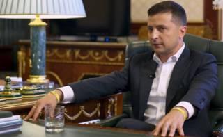 Зеленский ветировал депутатский законопроект об импичменте и подписал свой