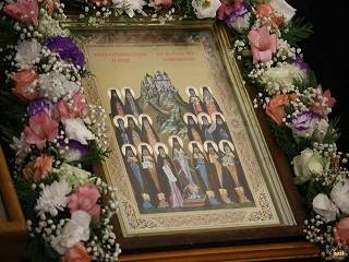 На Донбассе тысячи верующих УПЦ отмечают память преподобных отцов Святогорских