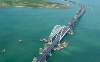 В аннексированном Россией Крыму по Керченскому мосту прогнали «тестовый» поезд