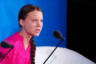 Шестнадцатилетняя шведская эко-активистка и Трамп потроллили друг друга в «Твиттере»