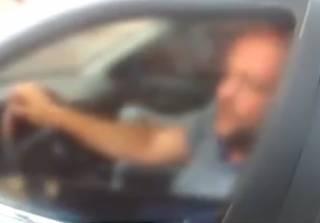 Суровый черновицкий водитель решил попить пива… при полицейских