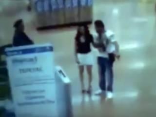Обвиненная в магазинной краже мексиканка… устроила стриптиз перед охранниками (18+)