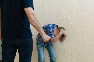 На Одесщине мужчина с похмелья избил маленького сына за отказ ужинать