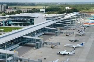 Непогода парализовала работу аэропорта в Одессе. Самолеты летят в другие города