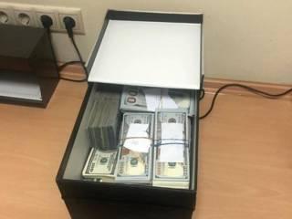 Скандал в институте трансплантологии имени Шалимова. У заведующего-взяточника нашли почти $1 млн налом