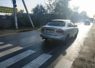 В Днепре автомобиль сбил маленького ребенка прямо возле школы