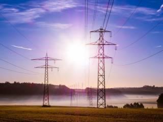 Украина впервые с 2015 года начала импорт электроэнергии из России: чем это грозит