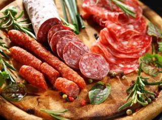 Ученые опровергли популярную «страшилку» о вреде колбасы