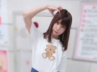 Сумасшедший фанат напал на японскую поп-звезду, вычислив ее по отражению в глазах